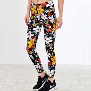 Nike Leg-A-See Hawaiian Floral Leggings XS Black